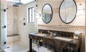Splendido jacuzzi suite vanity