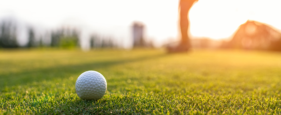 How can I book a tee time at the Mount St. Helena Golf Course?