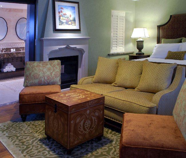 Splendido Jacuzzi Room at Roman Spa Hot Springs Resort, Calistoga