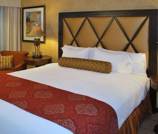 Superiore Room in Roman Spa Hot Springs Resort, California