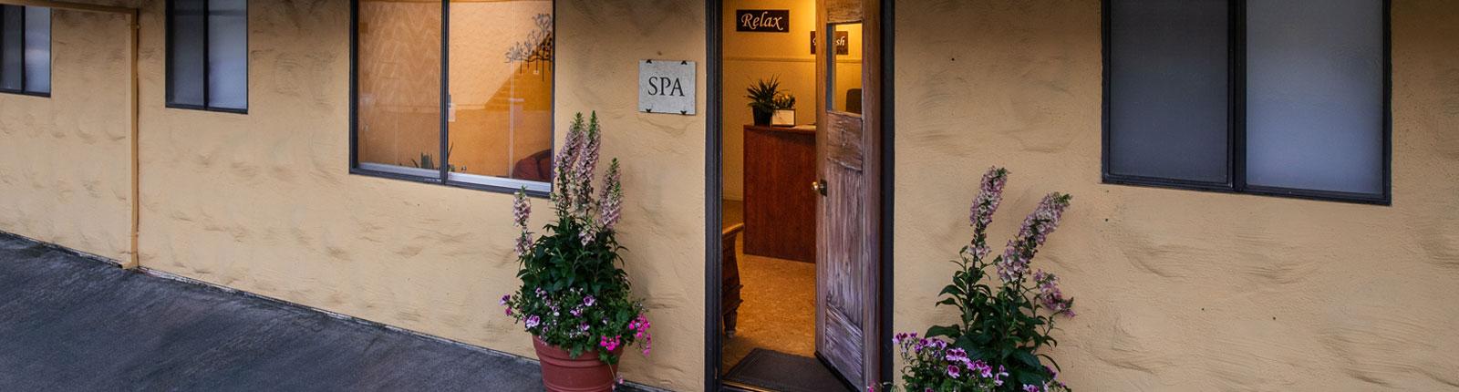 Contact at Resort Calistoga